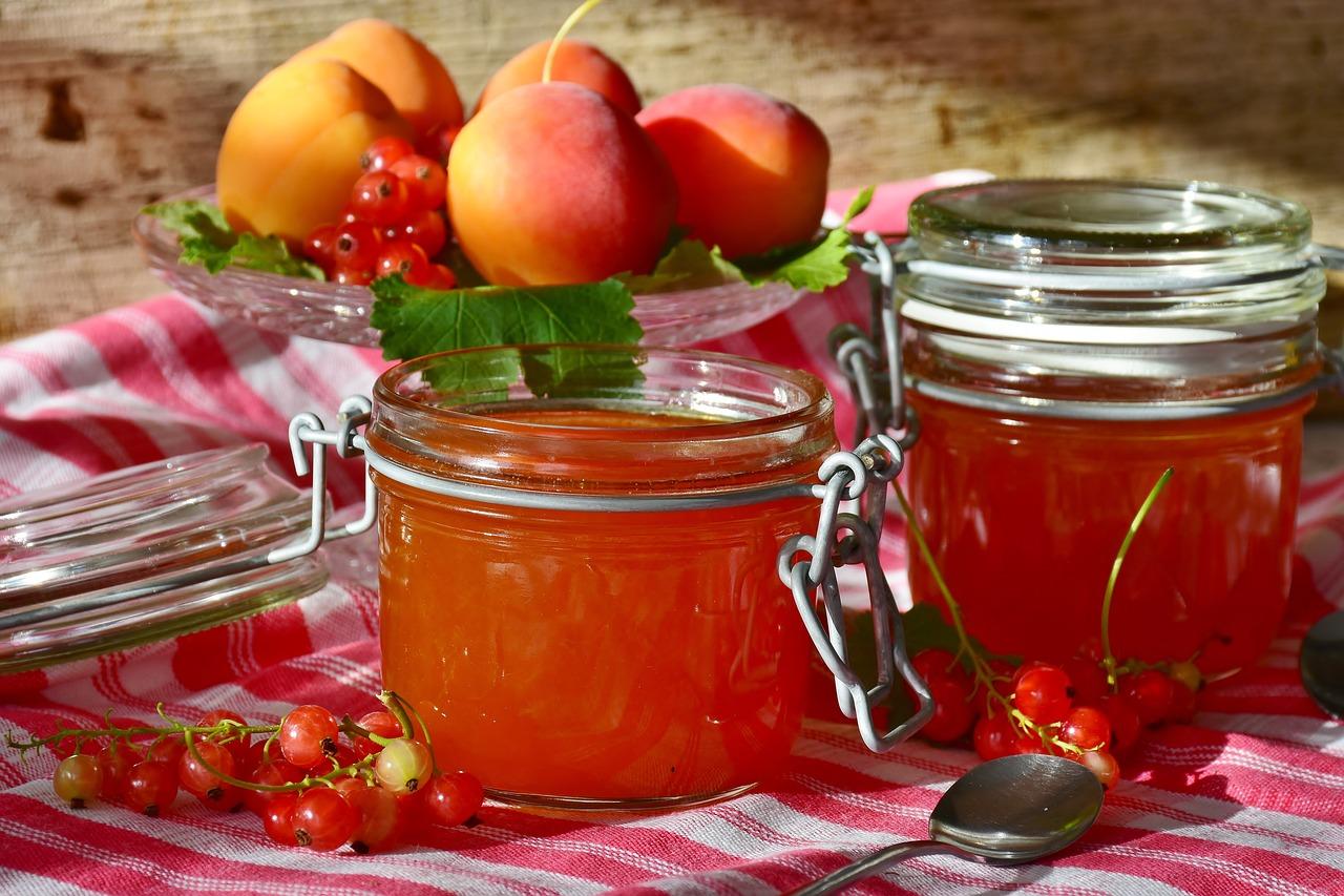 apricot-chia-jam
