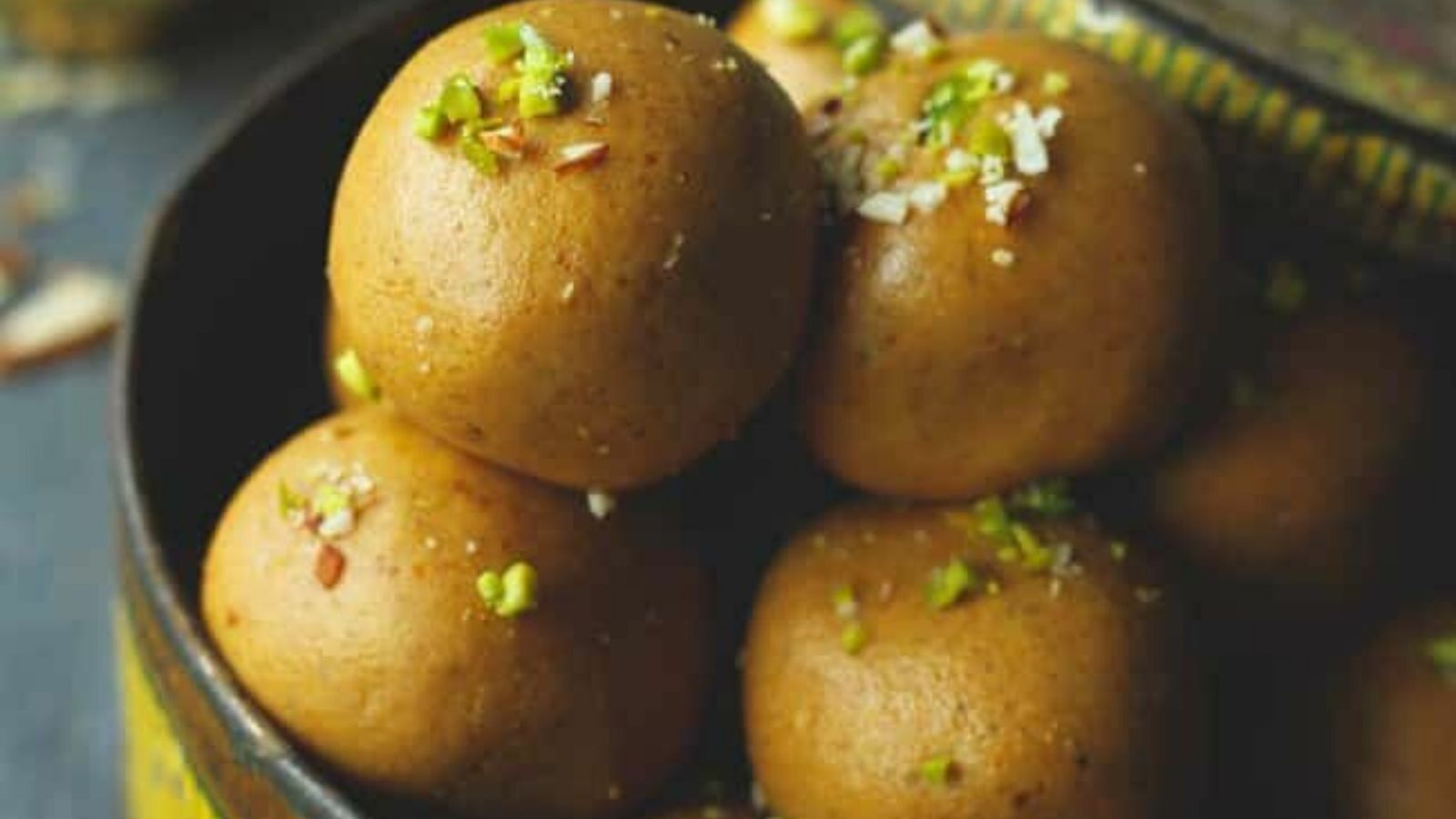 besan-ladoo-a-classic-indian-sweet