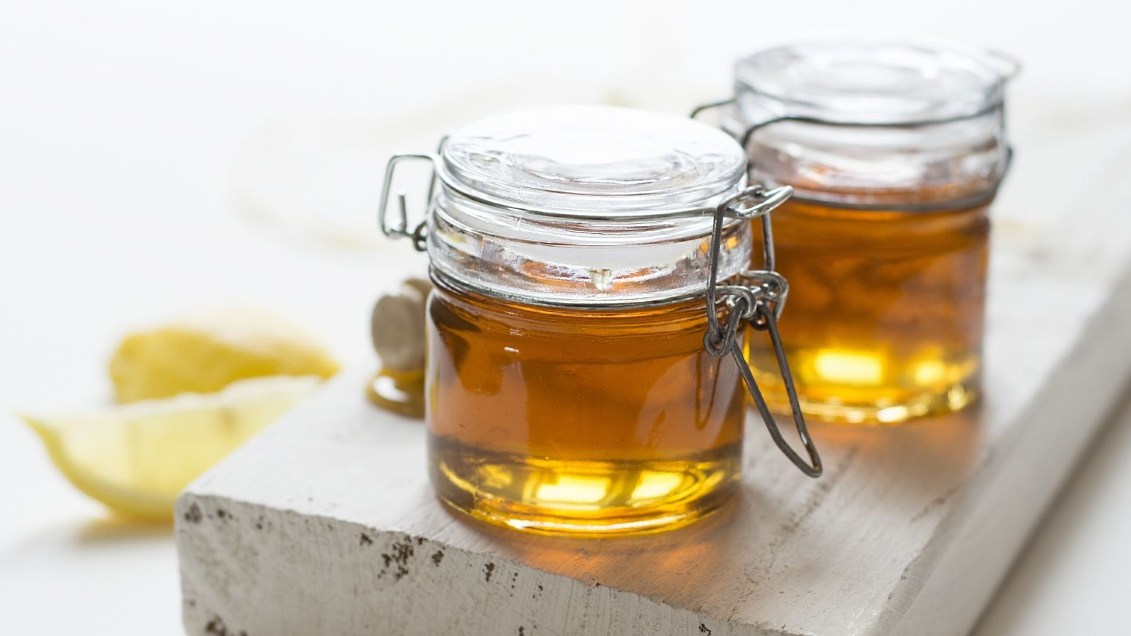 the-amazing-power-of-raw-honey-as-medicine-a-detailed-research