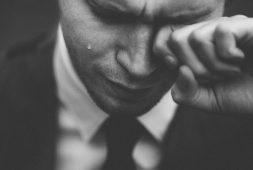 health-benefits-of-crying-it-all-out